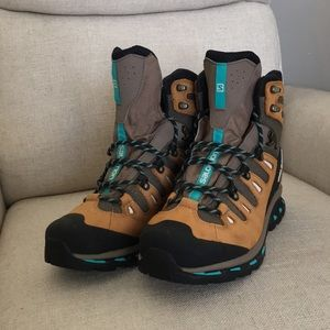 🏔SALOMON Hiking boot